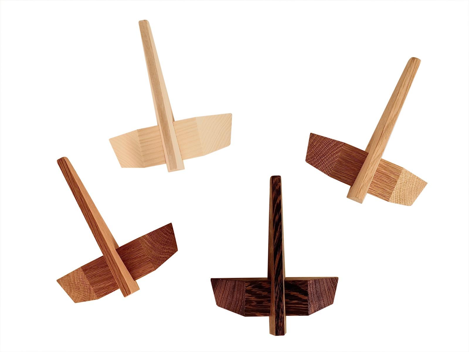 træ design knage   Hjuler.Design træ design